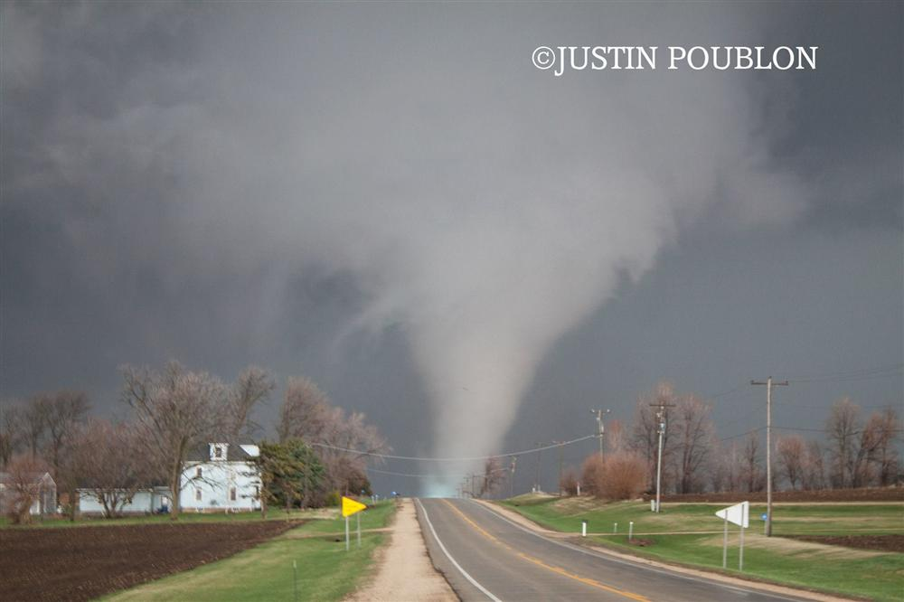 Storm Chaser Remembers Deadly 2015 Fairdale Il Ef 4 Tornado
